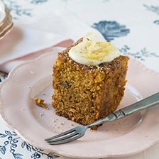 Frosted and Spiced Carrot Cake Recipe