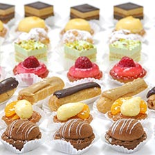 Petits Fours - Sweet Cravings