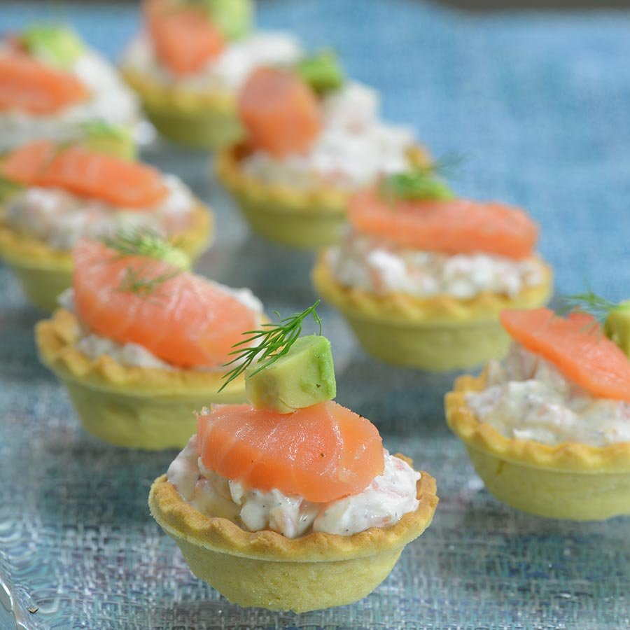 Mini smoked salmon appetizer tarts recipe for Simple canape appetizer