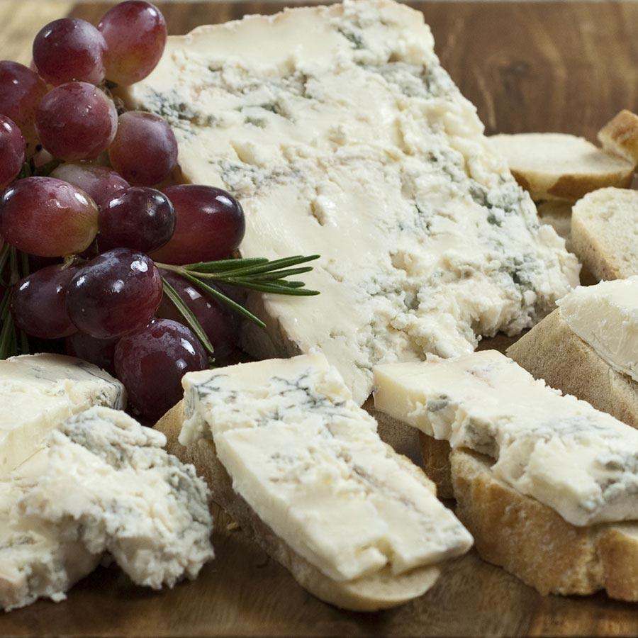 Gorgonzola Dolce DOP by Piedmont - 105.9KB