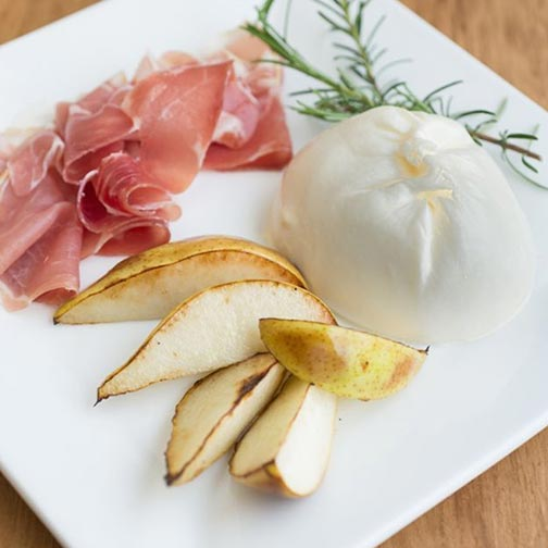 Prosciutto Ham, Baked Pears and Mozzarella Burrata Appetizer Recipe